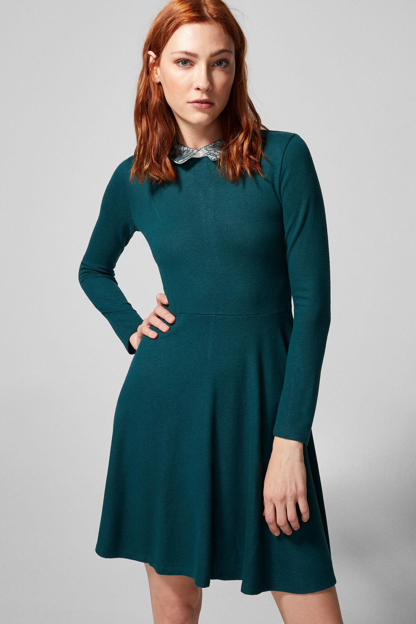 Vestido verde con puntos blancos