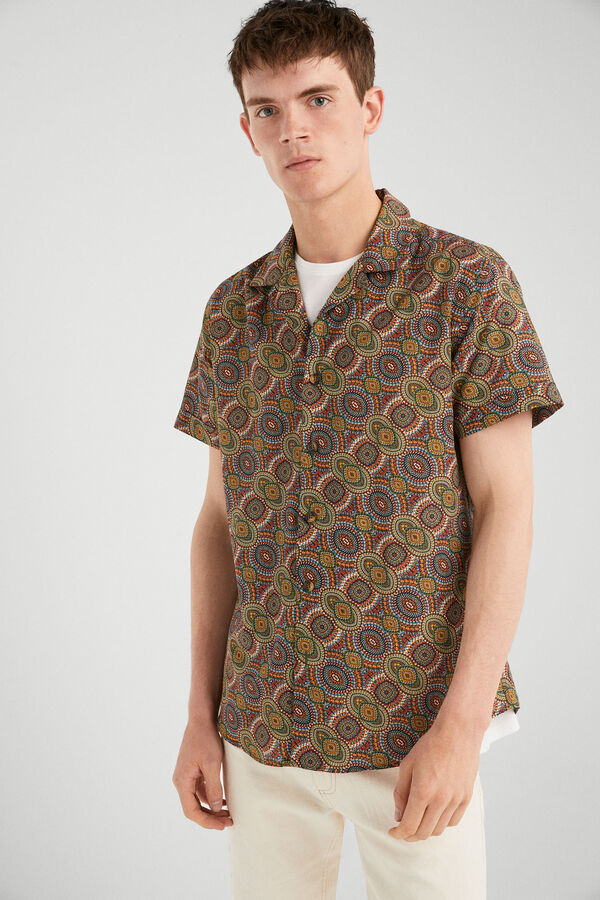 d23e581e26 Springfield Camisa manga corta estampada verde hoja