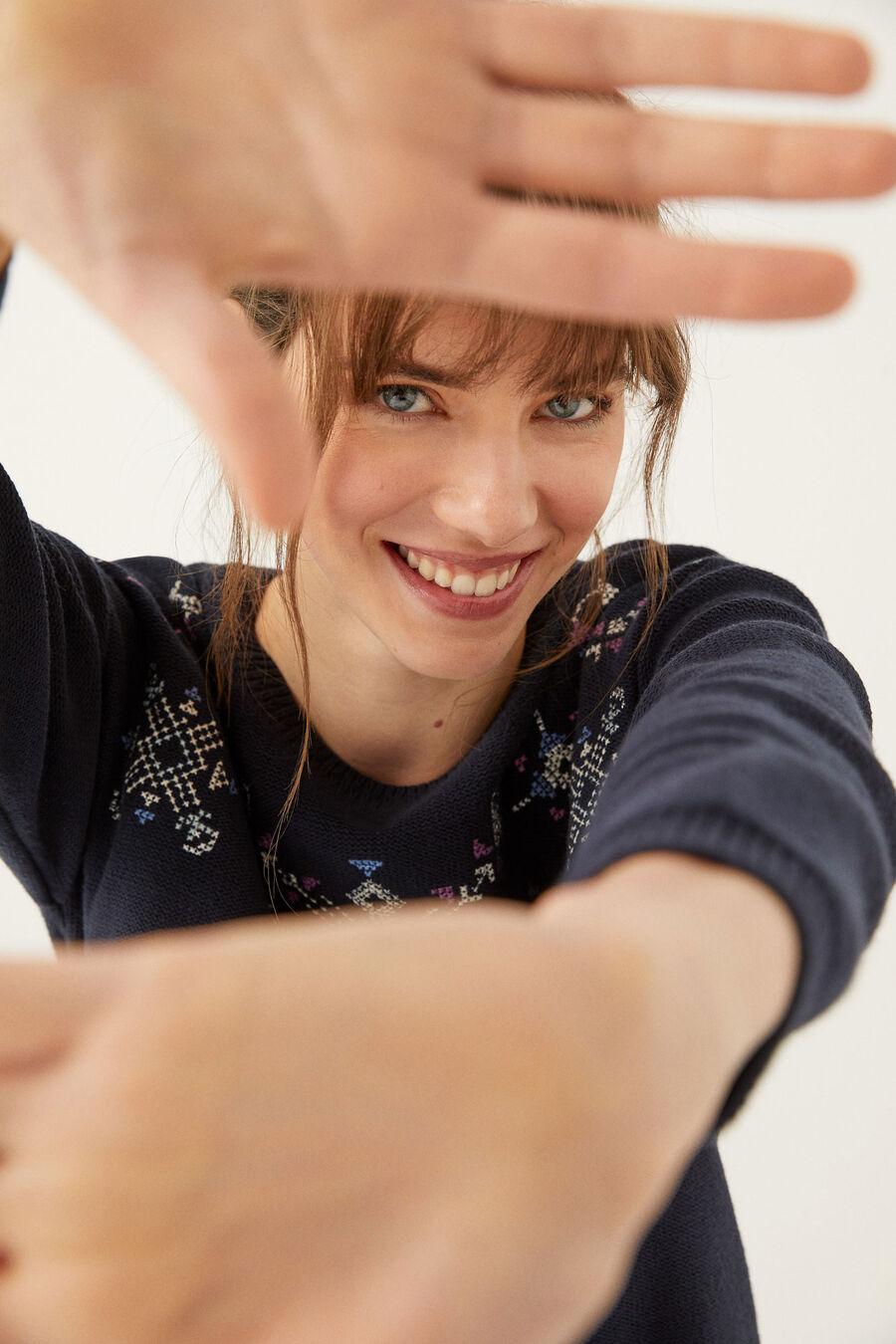 Artikel klicken und genauer betrachten! - Langarm-pullover mit rundhalsausschnitt und geometrischen stickereien mit lurexdetail vorne. Pullover geometrische stickereien lurex springfield   im Online Shop kaufen