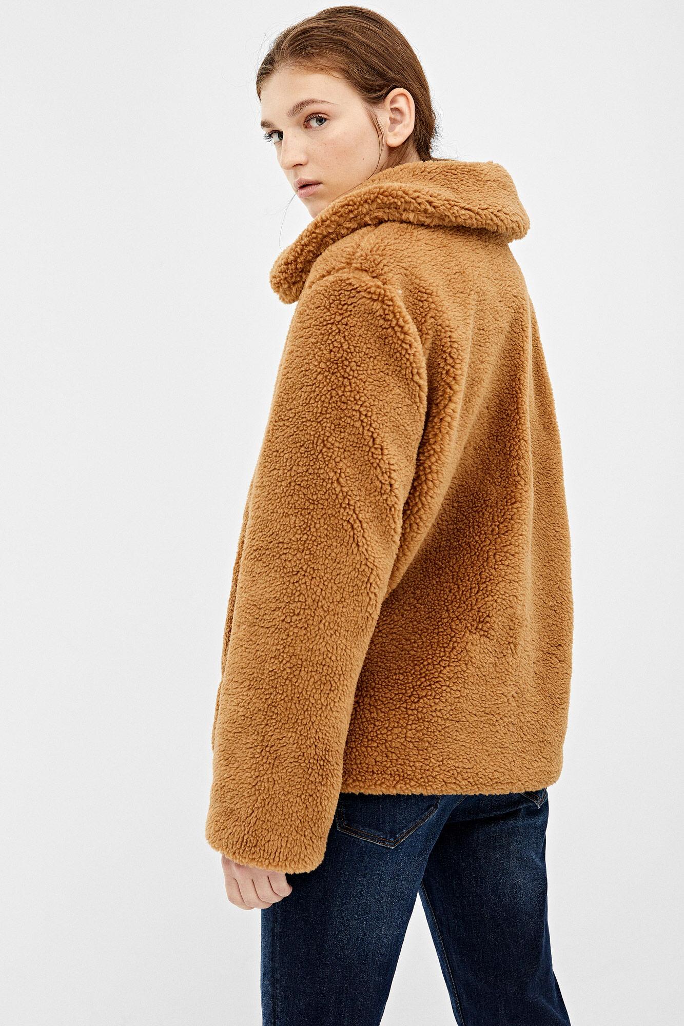 Casaco curto teddy | Blusões e Casacos | Springfield