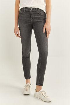 Springfield Jeans slim algodão reciclado lavagem sustentável cinza