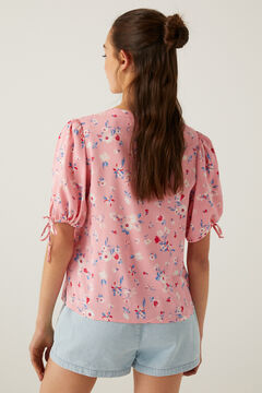 Printed blouse and denim short set.