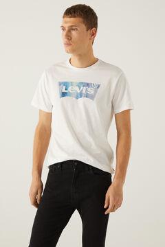 Conjunto camiseta gráfica y vaqueros skinny