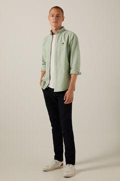Conjunto de camisa oxford e jeans fit