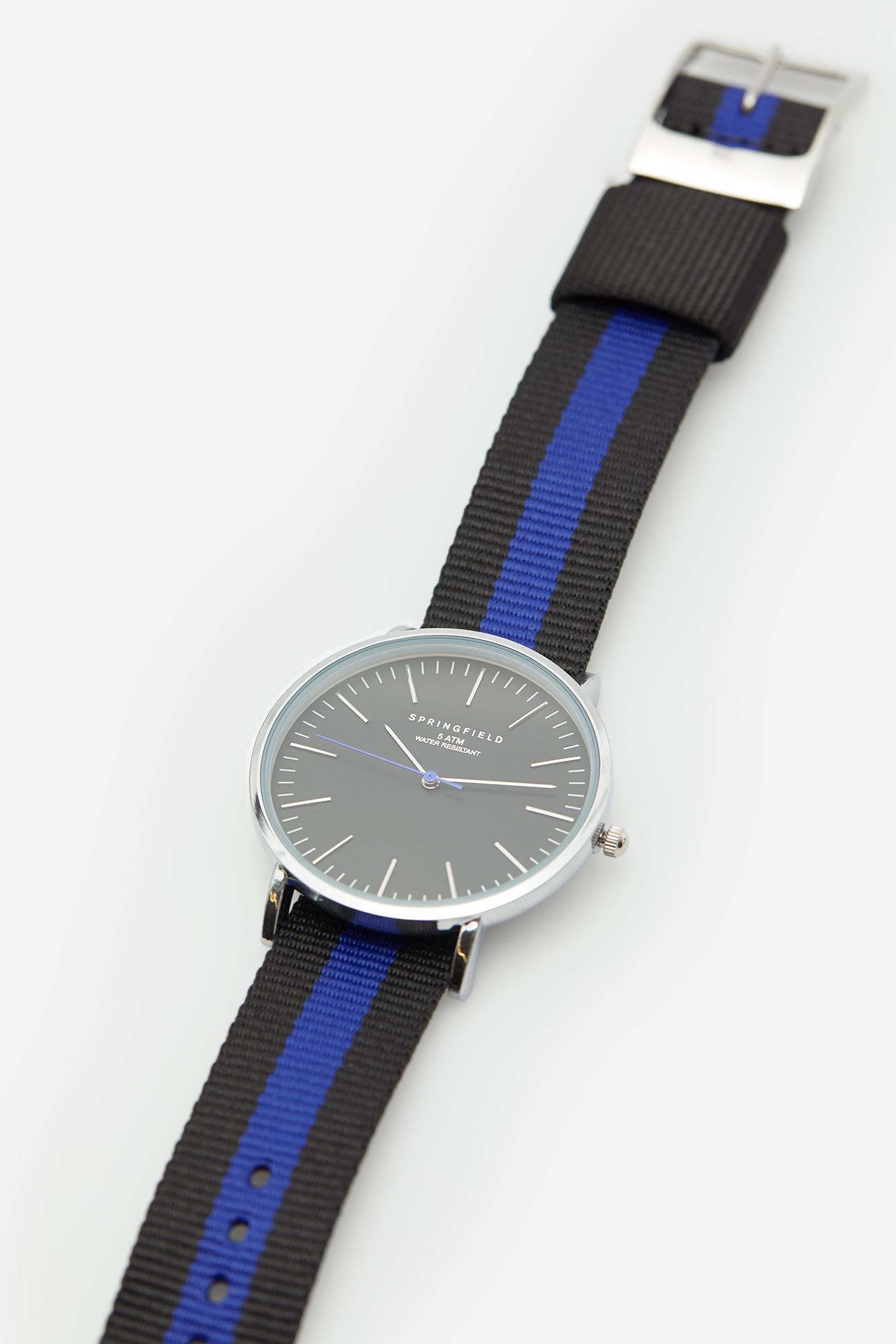 55f8e000c736 Reloj clásico con correa reversible